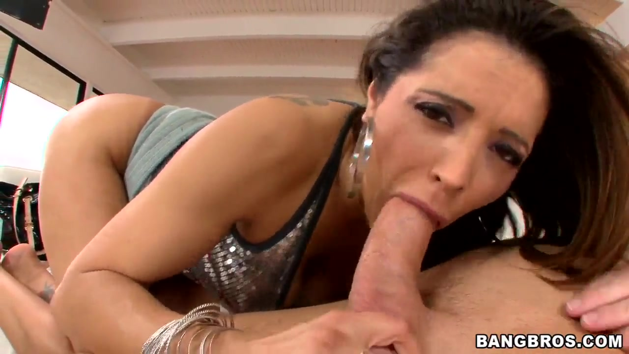 Pal does so kinky things with Francesca Le