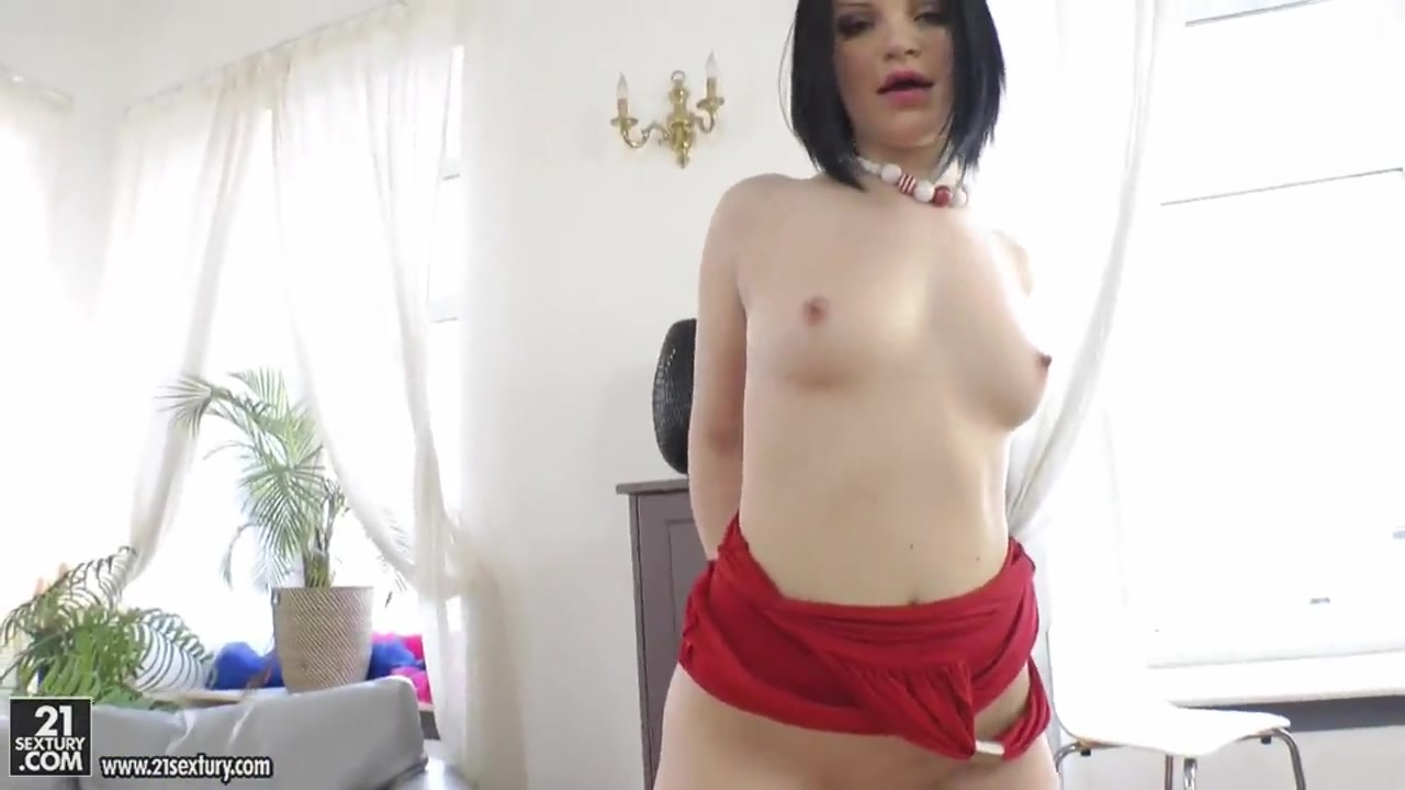 Dark haired Romana uses her big sex toy