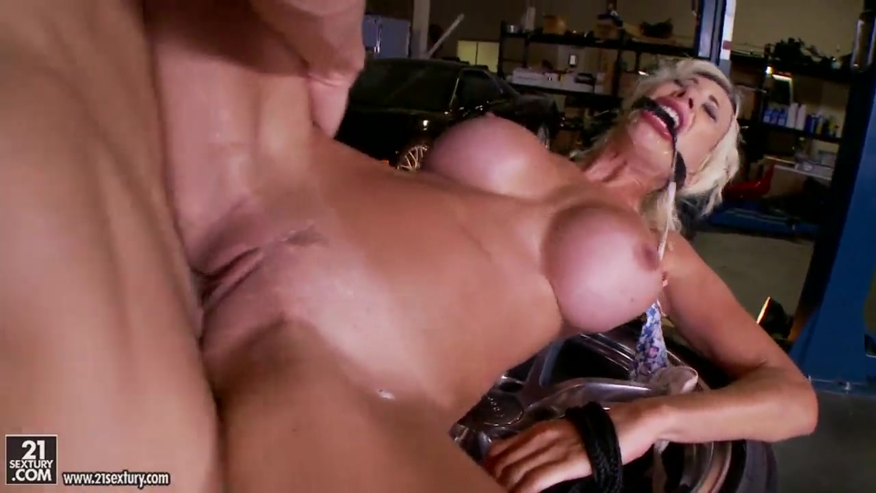 Blonde whore Puma Swede is getting drilled