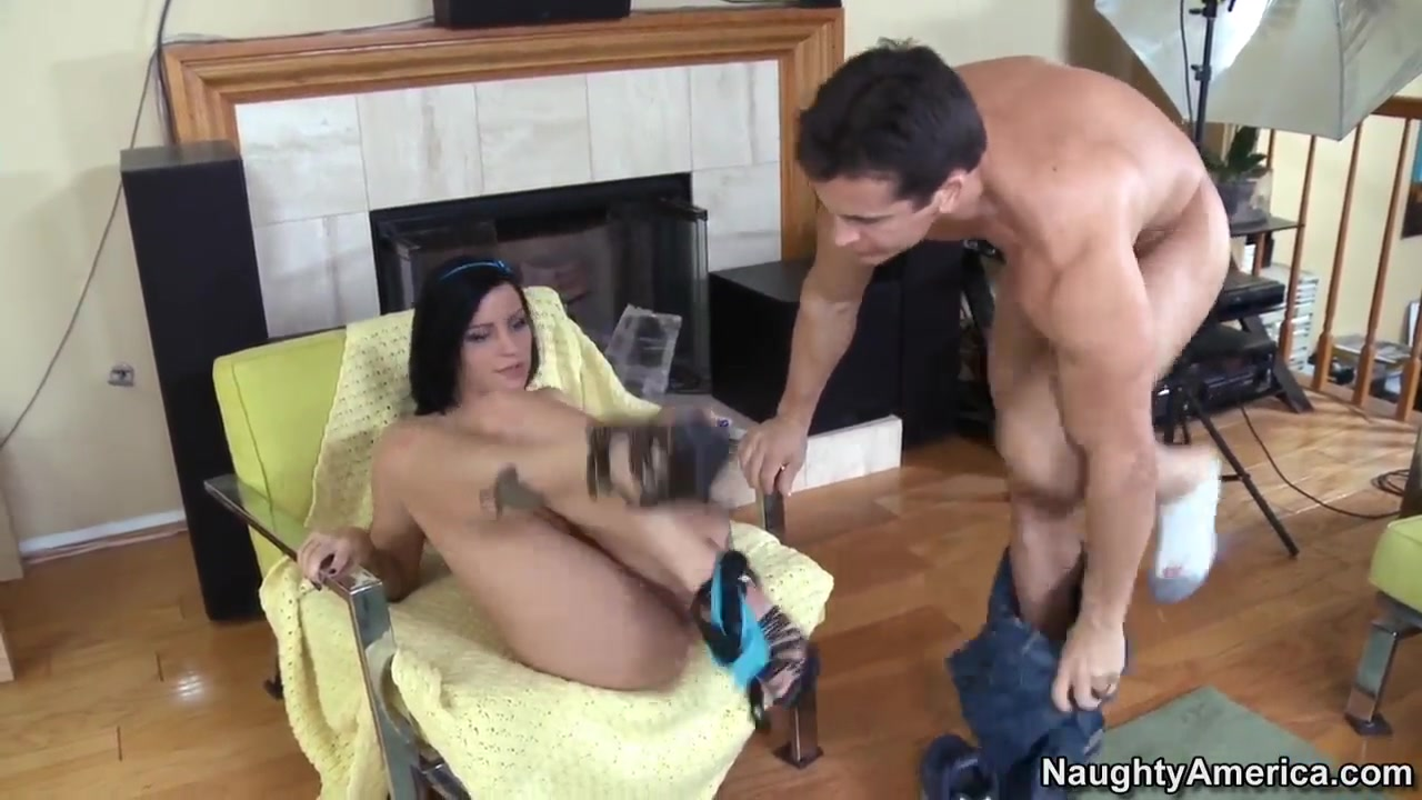 Talon seduces hot brunette and bangs her pussy really good