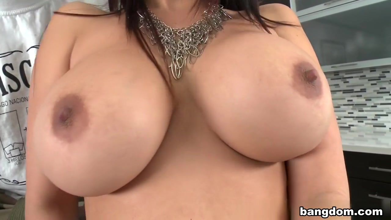 Ava Devine, Diamond Kitty in A Threesome With PornStars Is Every Man's...