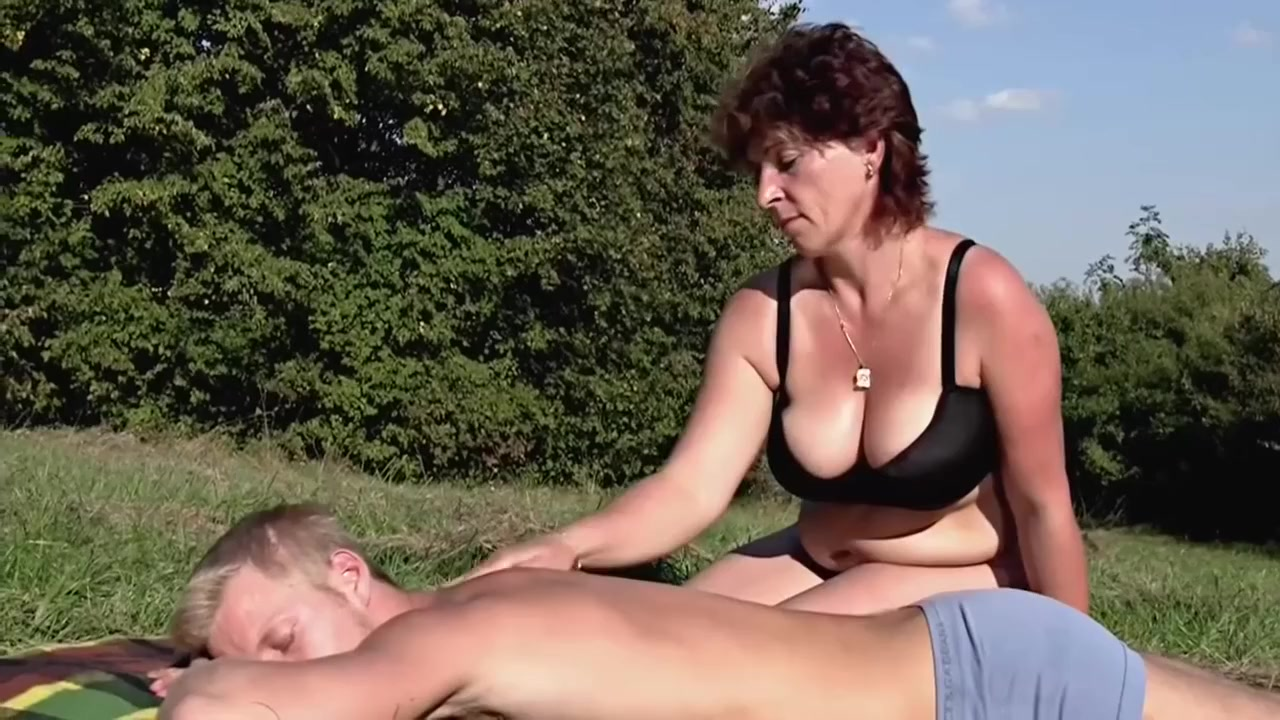 Fat amateur flasher emmas public exhibitionism of voyeur bbw - 85 part 1