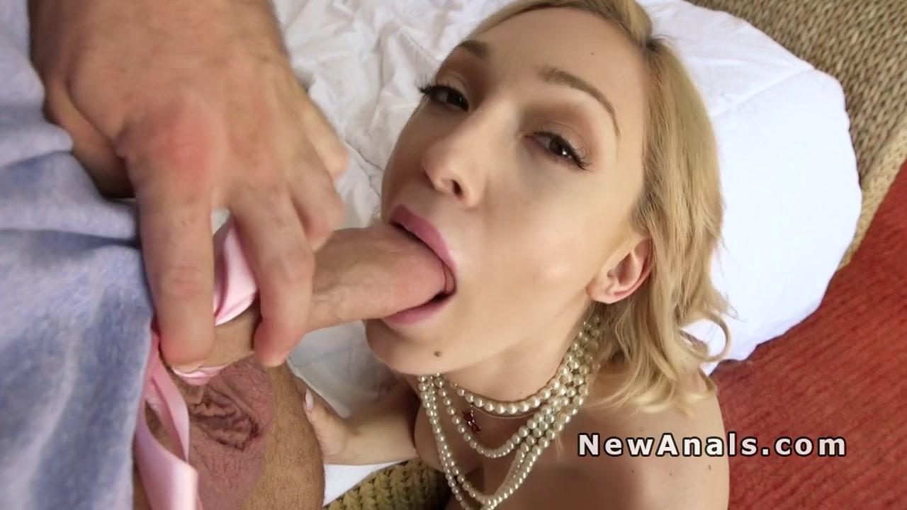 Big cock present into blondes tight ass